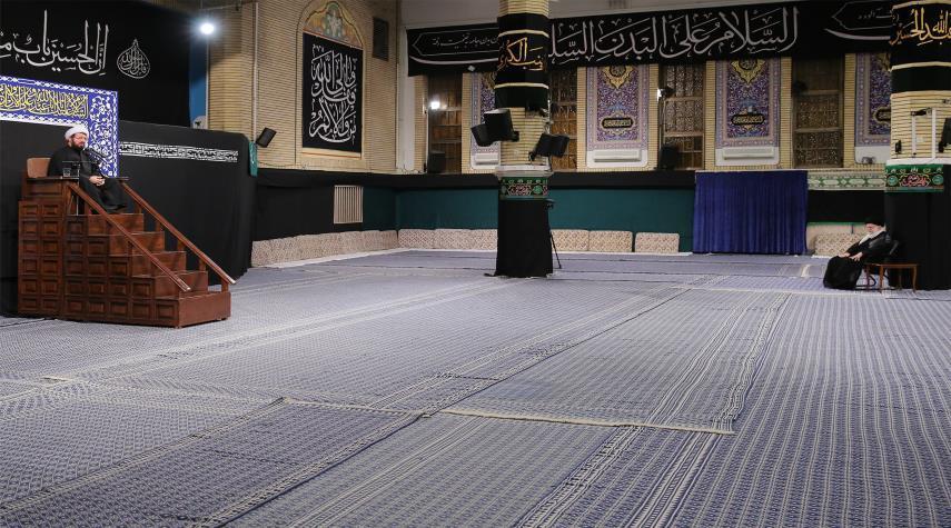 """إقامة مراسم عزاء """"ليلة الوحشة"""" بحضور قائد الثورة الاسلامية"""