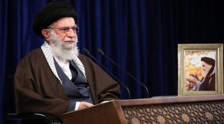 قائد الثورة يشكر السيد نصر الله وهنية على تعاطفهما برحيل اللواء حجازي