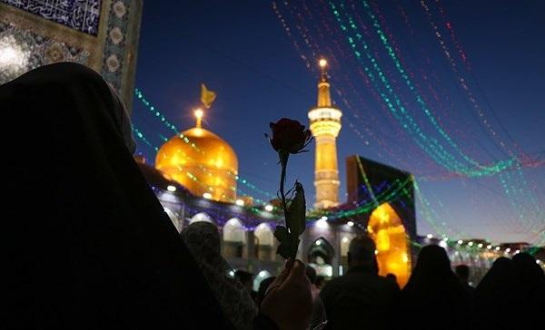 ضريح الإمام علي بن موسى الرضا (ع) في ذكرى ليلة ميلاده